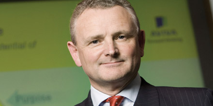 Aviva boss Moss to walk away with £1.3m payment
