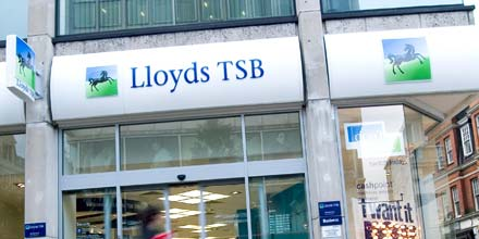 Lloyds set to cut another 15,000 jobs