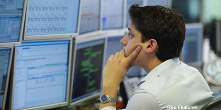 FTSE wobbles as RSA Insurance falls on downgrade