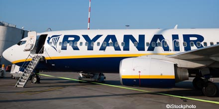 Ryanair rallies as FTSE retreats