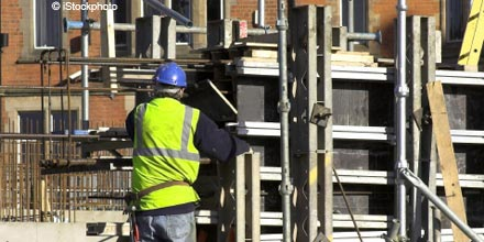 House builders top FTSE as property prices rise
