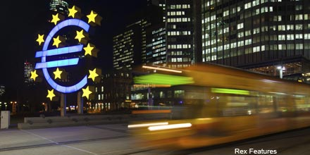 FTSE edges down; ECB bond hopes evaporate