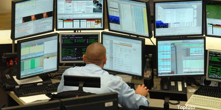 International Power rises on buyout talk; FTSE wavers