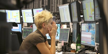 FTSE sell off as investors rush to take profits