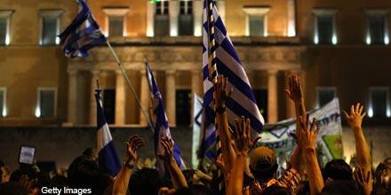 Greece's return to the debt market receives lukewarm reaction