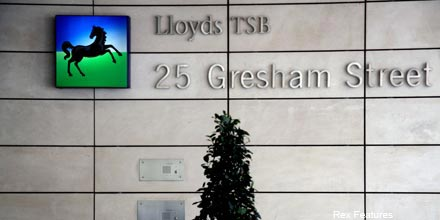 Two fired in Lloyds 'rogue trader' scam