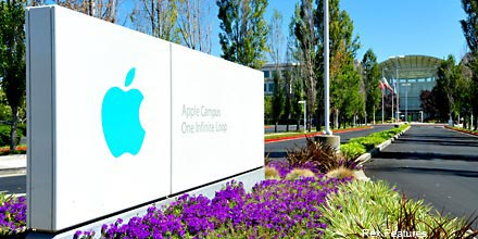 Investors see buying opportunity in Apple share dip
