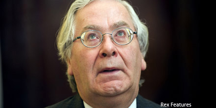 Pound slumps as Mervyn King backs QE increase