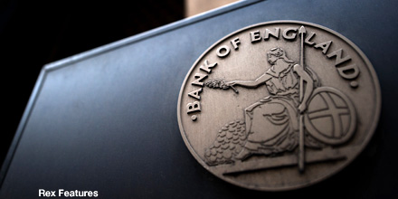 Bank of England unmoved by 'triple dip' threat to keep QE on hold