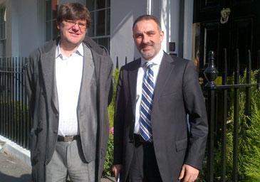 Jesús de Citywire saluda a Enrique Pardo de Allfunds Bank