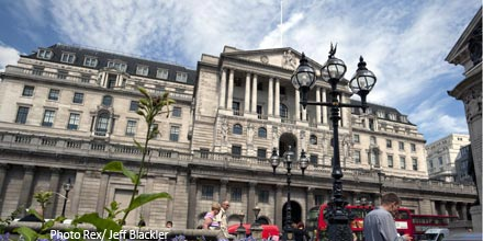 Gilts turn negative as investors eye zero interest rates