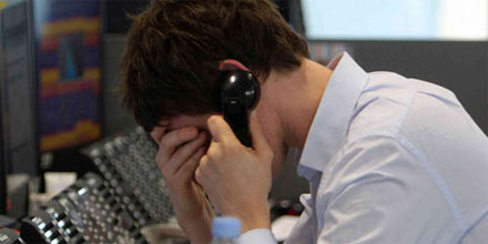 FTSE drops below 7,000 in violent global sell-off