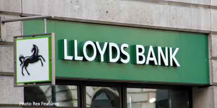 Osborne delays Lloyds share sale after market slump