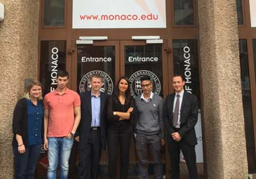 Sabrina présentant Citywire aux étudiants de Thierry Crovetto à l'International University of Monaco