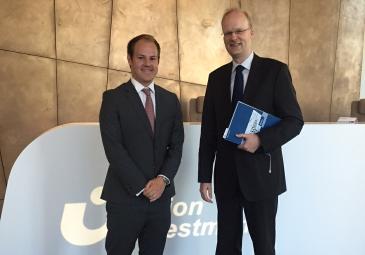 Stefan Sealey trifft sich in Frankfurt mit Oliver Frey von Union Investment