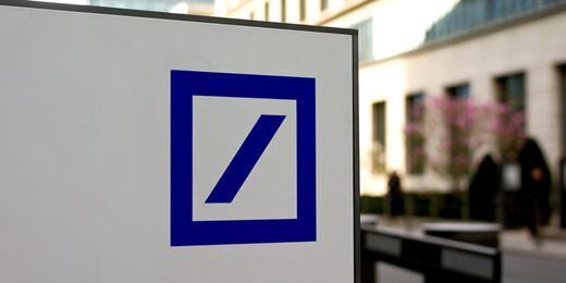 Deutsche Bank: utile a sorpresa nel trimestre