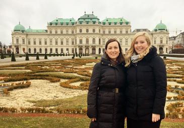 Patricia Gasiorowska besucht Maria Spanner von Ariqon in Wien